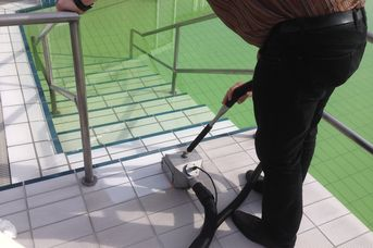 cleaning machine for tile